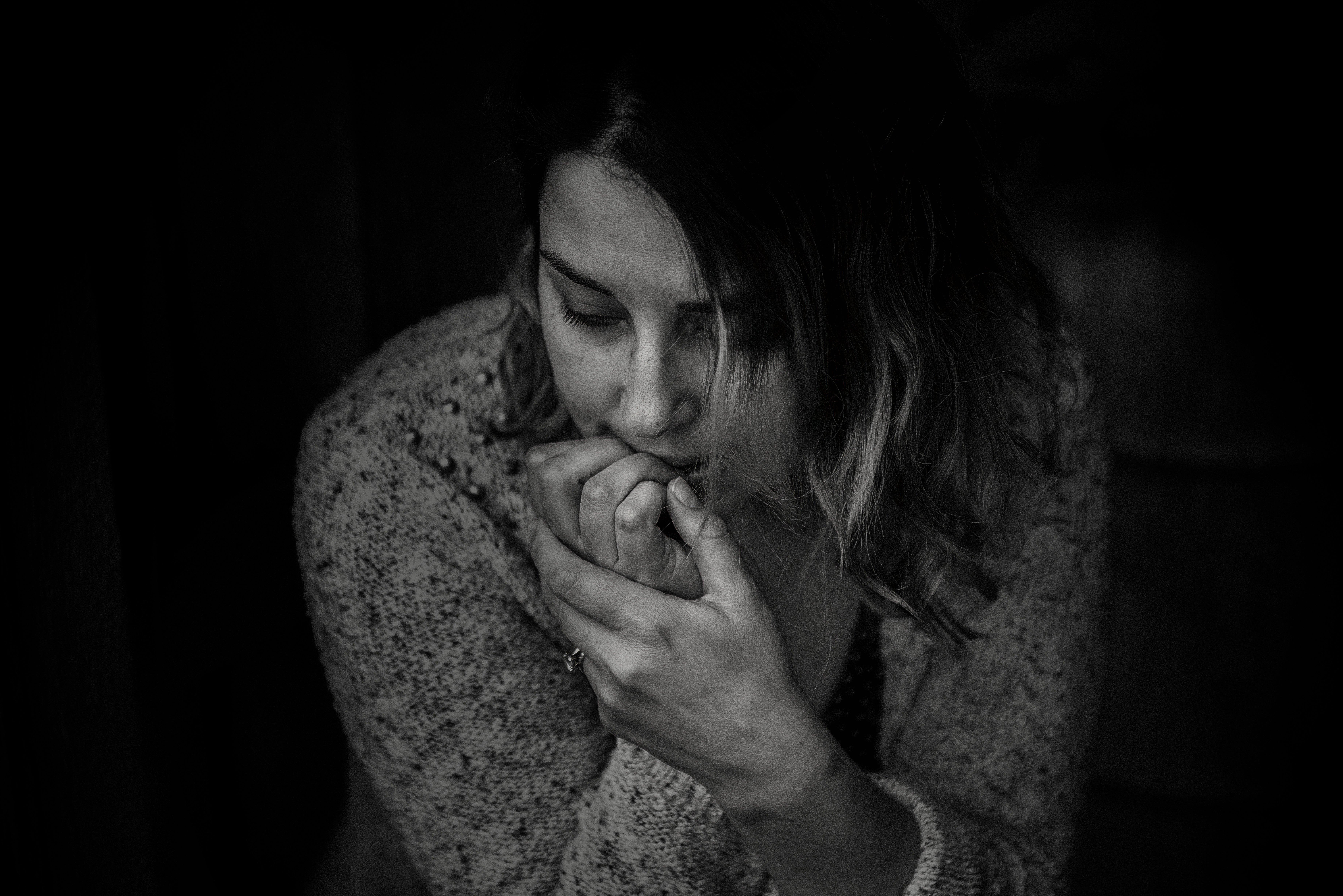 anxious-sad-woman-blackandwhite.jpeg
